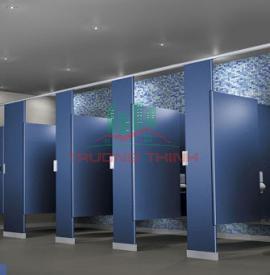Thi công vách ngăn vệ sinh compact cho tòa nhà